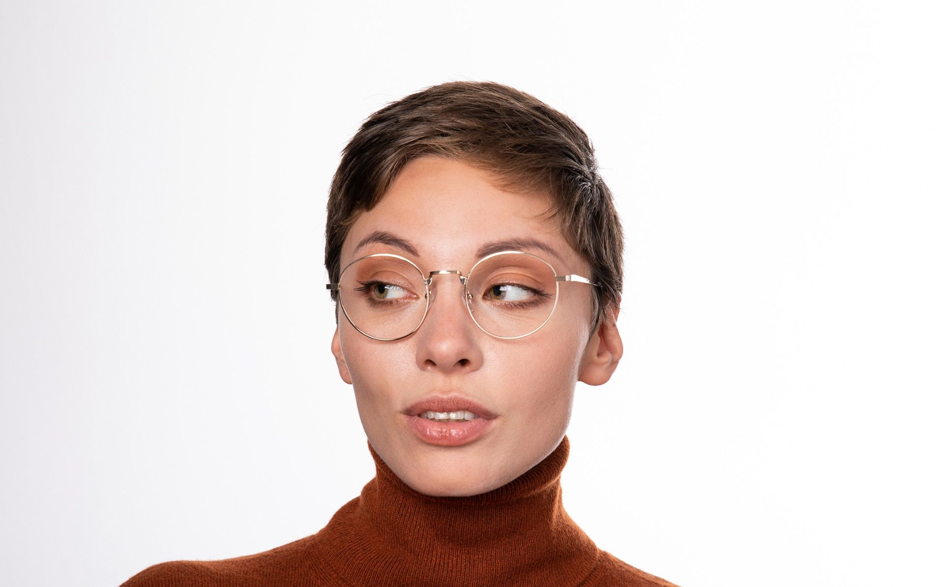 barclay gold polette glasses model view 01