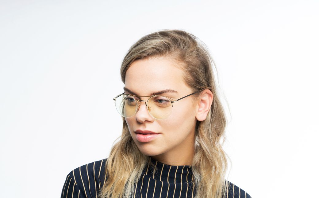 bradley polette glasses model view 02
