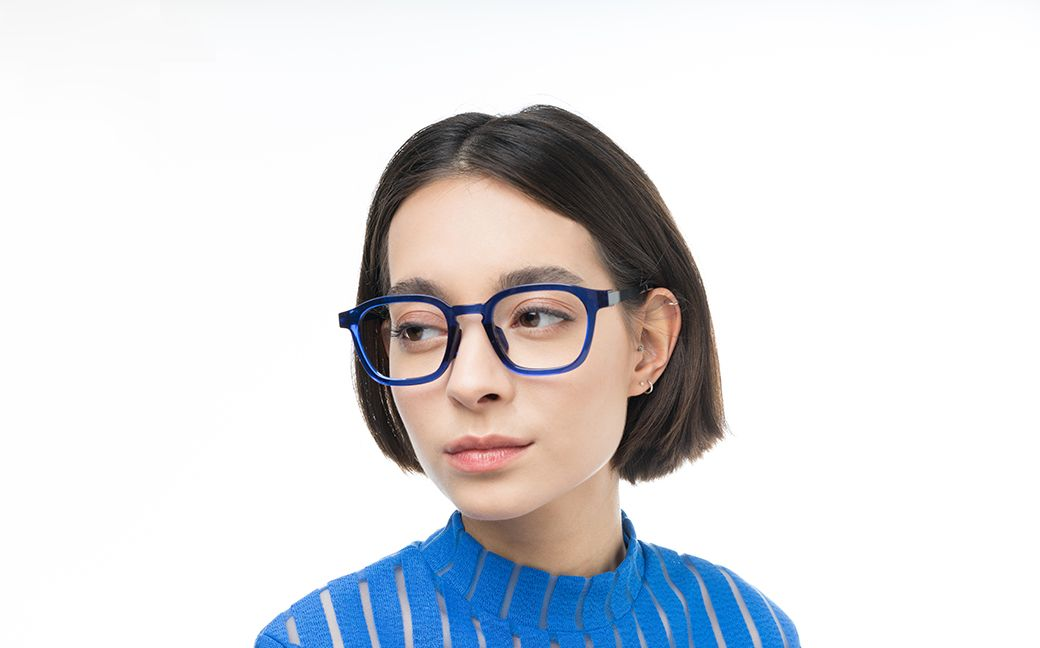daniel blue polette glasses model view 01