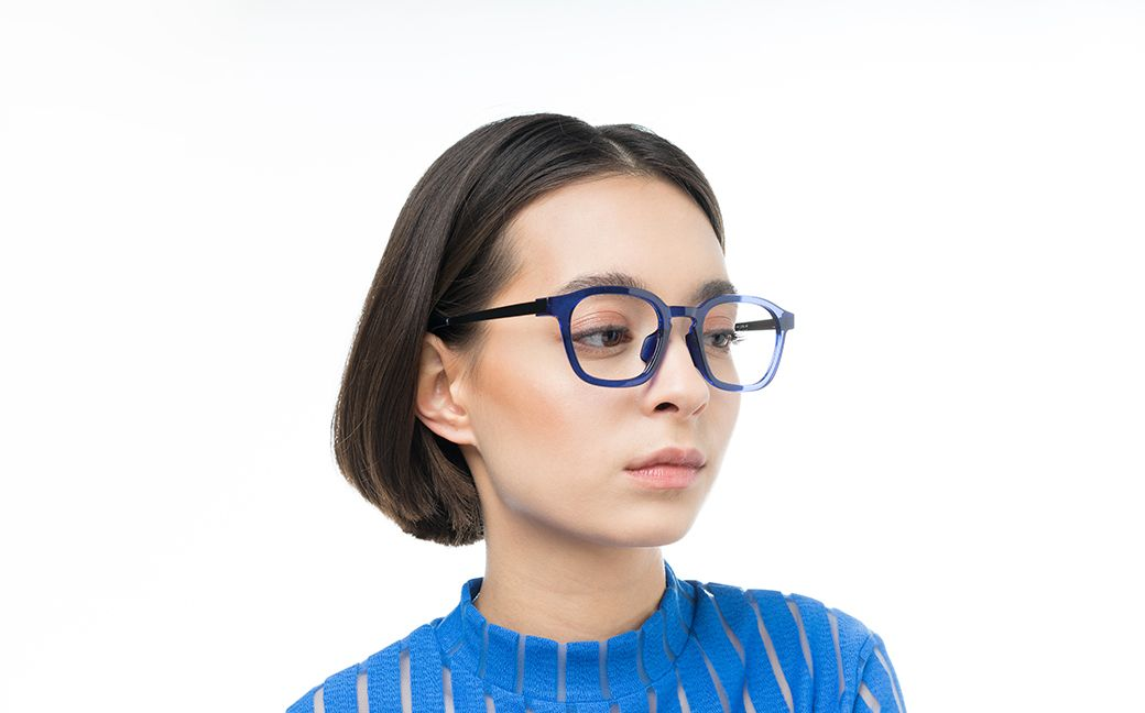 daniel blue polette glasses model view 02