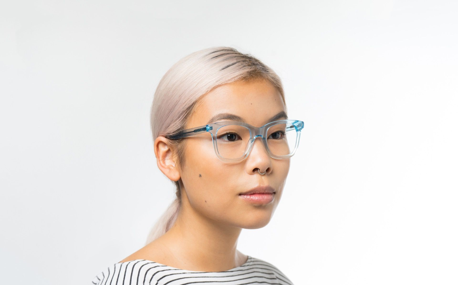 demi blue polette glasses model view 01 crop