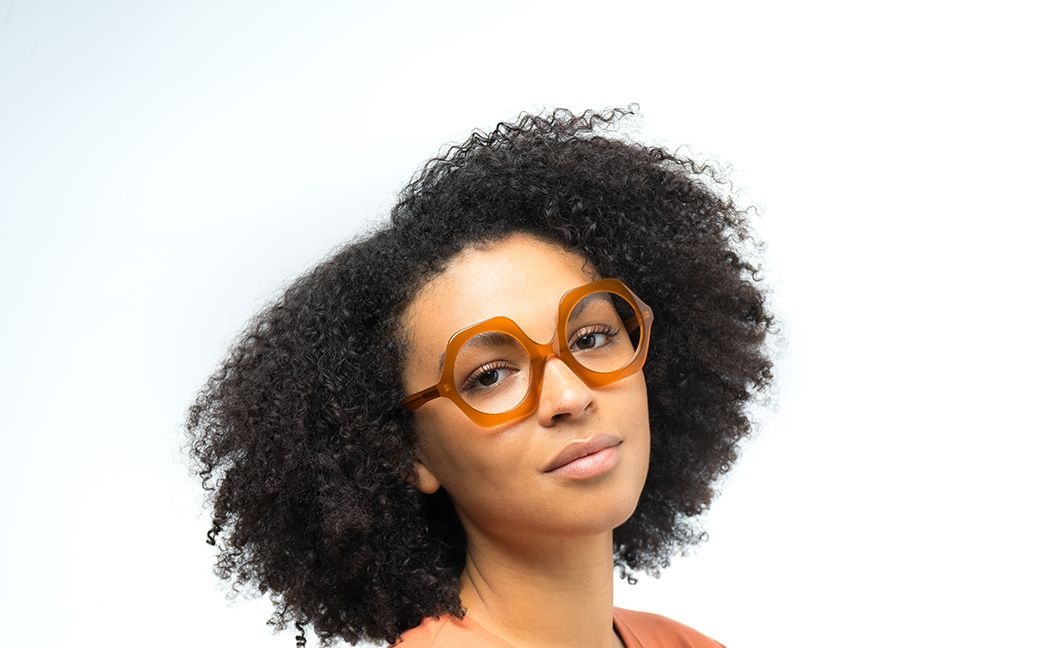 fenna view brown polette glasses model view 02