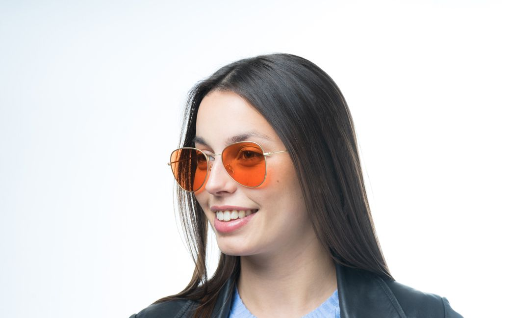 freyja gold s glasses model view 01 crop