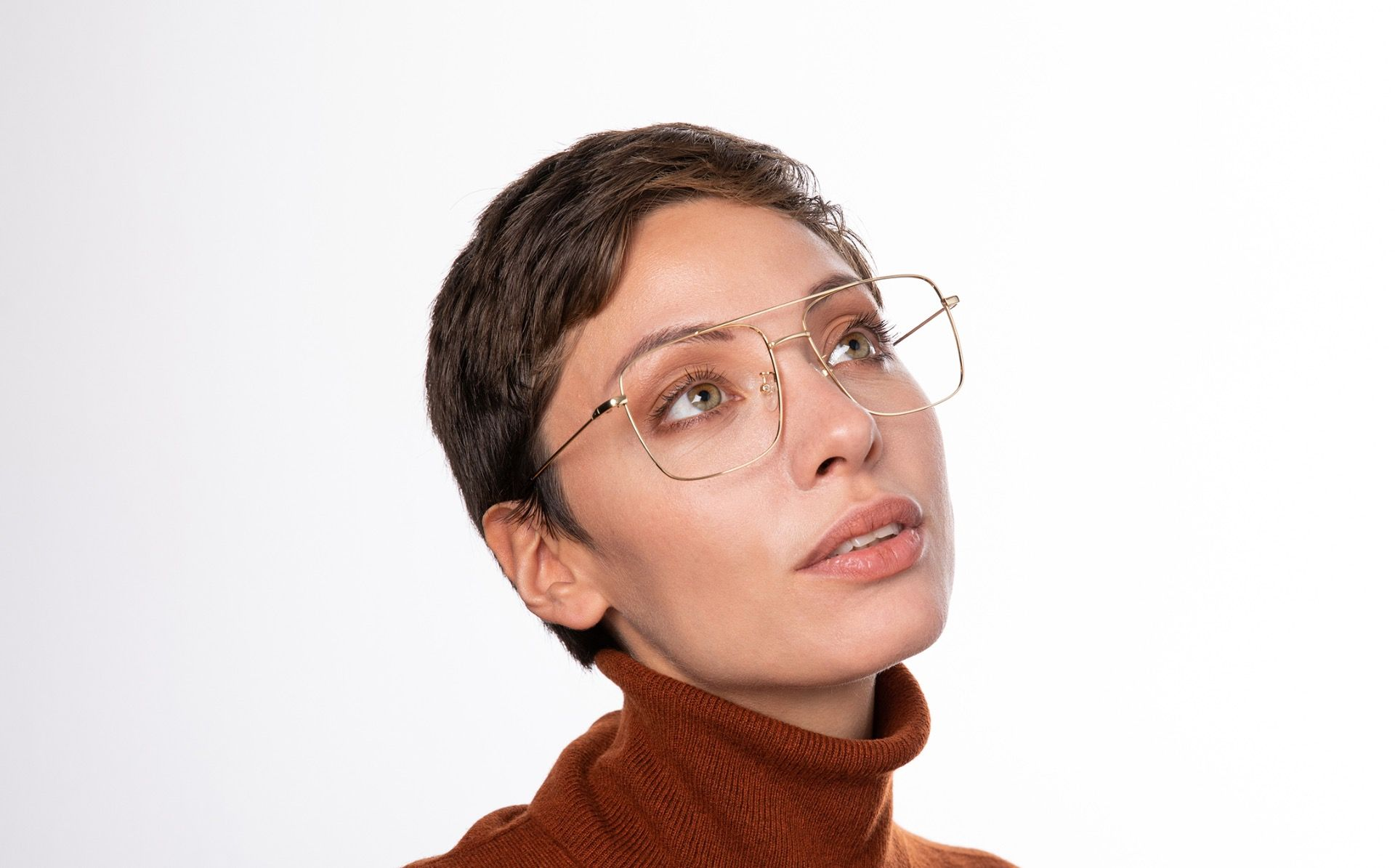 gordi gold polette glasses model view 02