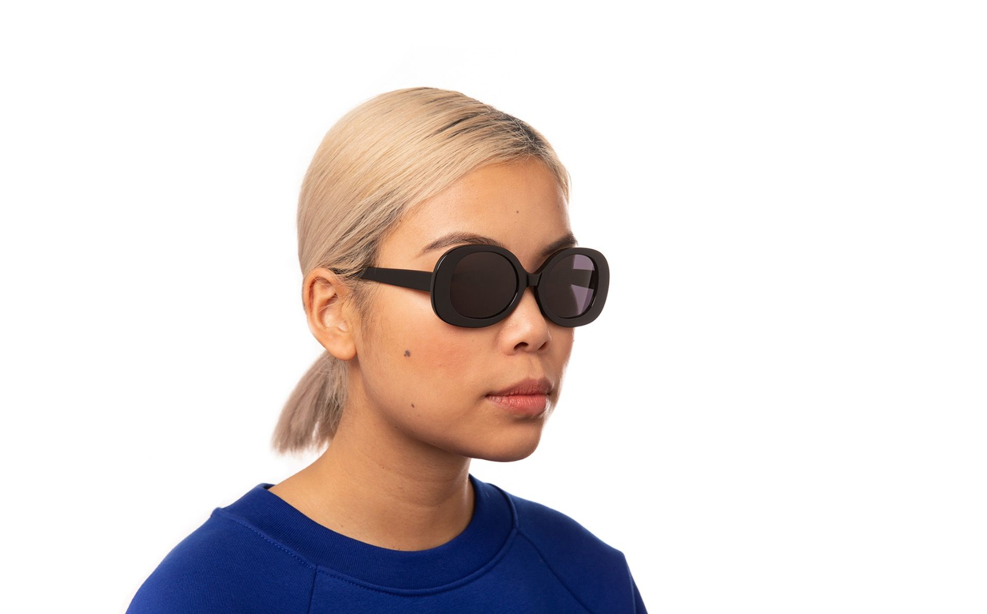 hadid black polette glasses model view 01