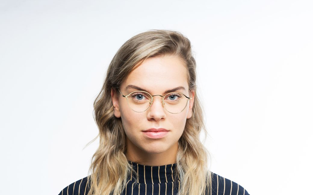 jordan gold polette glasses model view 01
