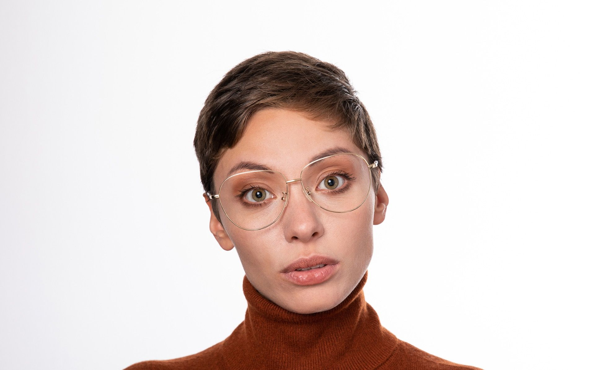 moxy gold polette glasses model view 01