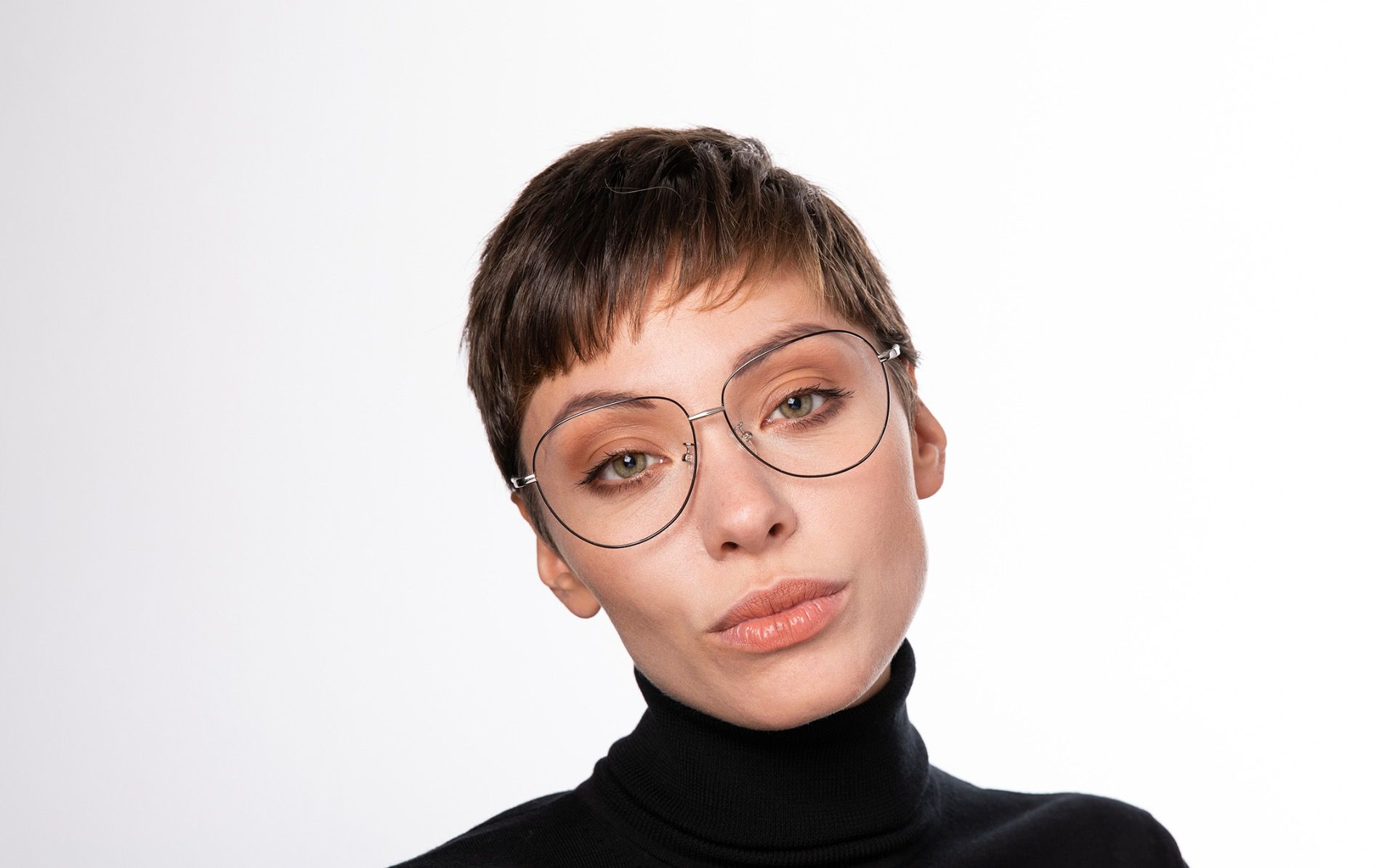 moxy silver polette glasses model view 02