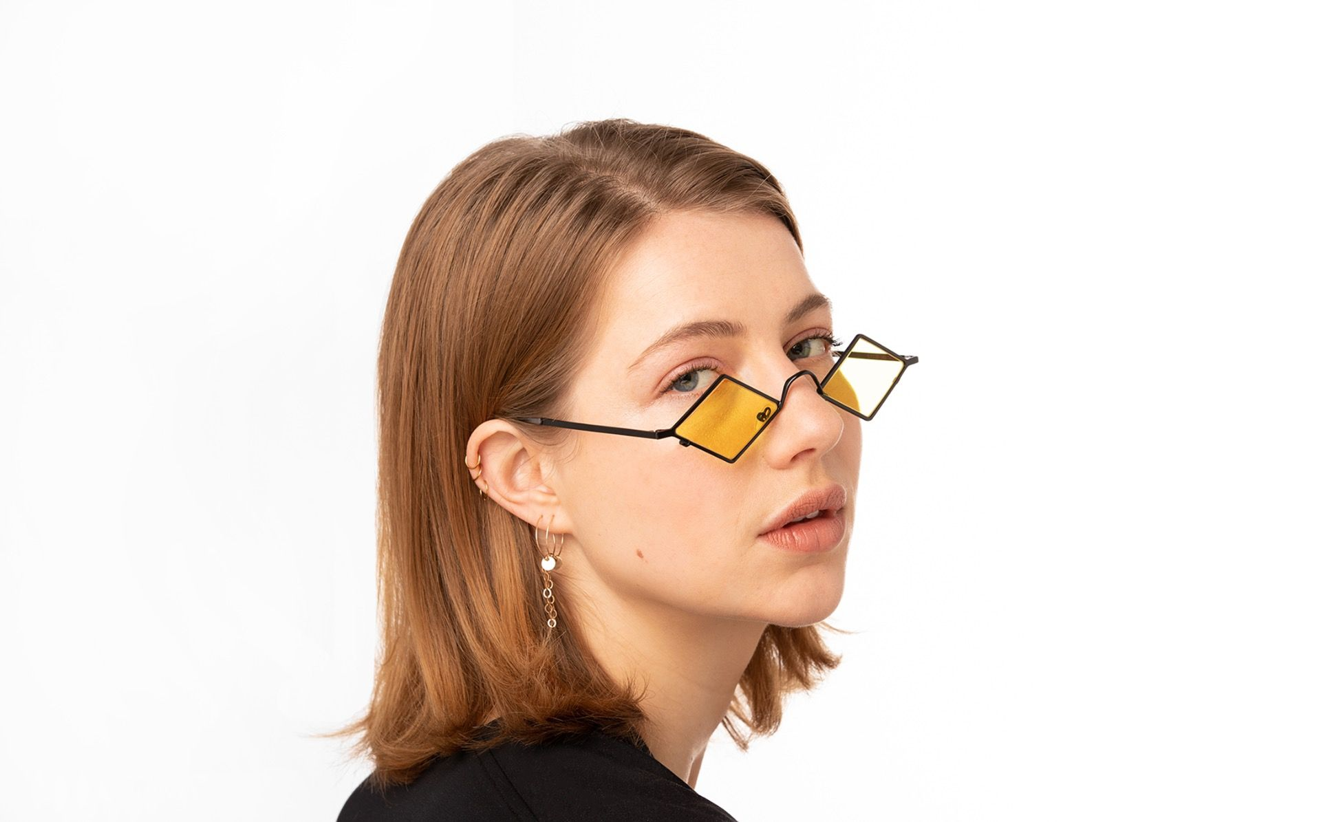 precioso black polette glasses model view 01