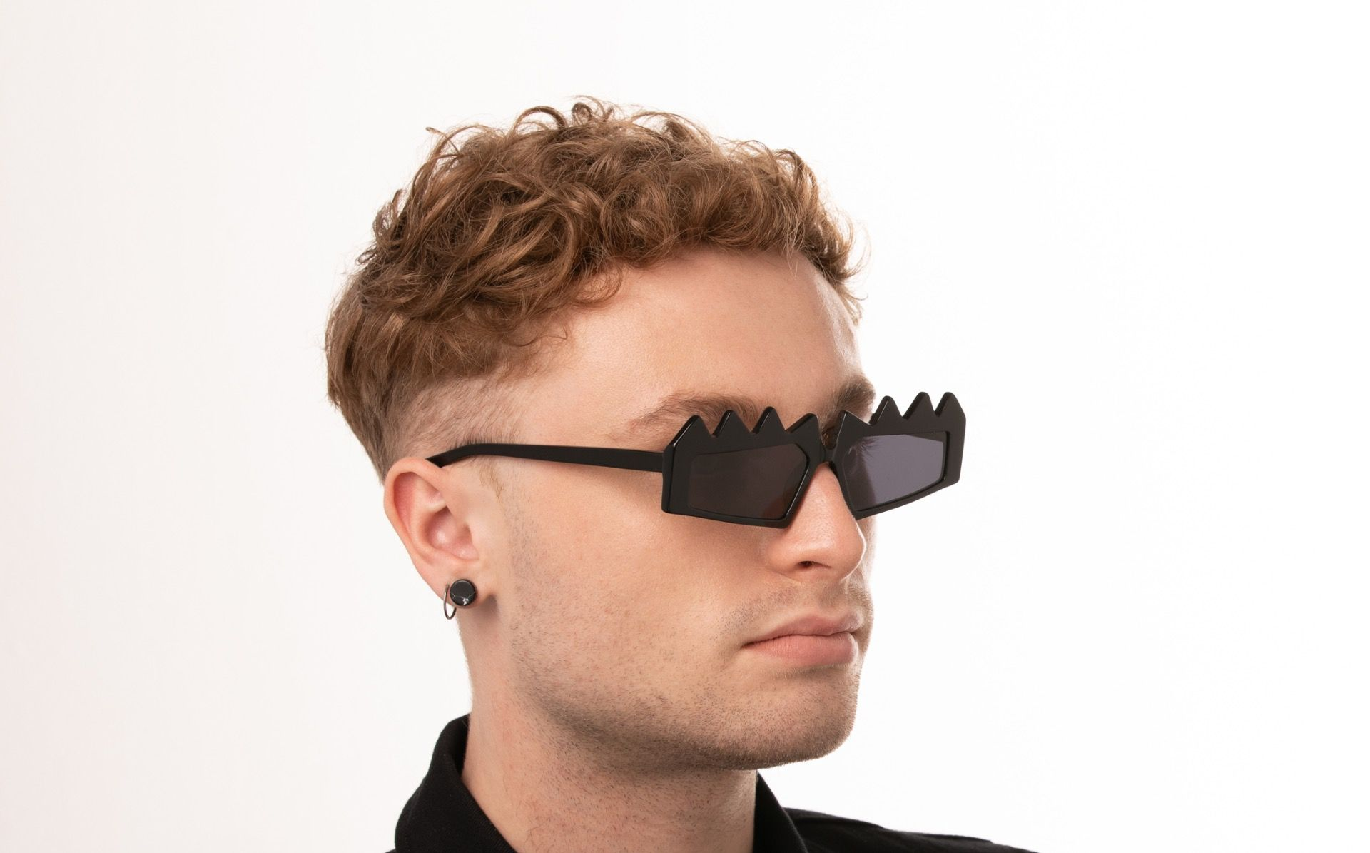 reptilia black polette glasses model view 03