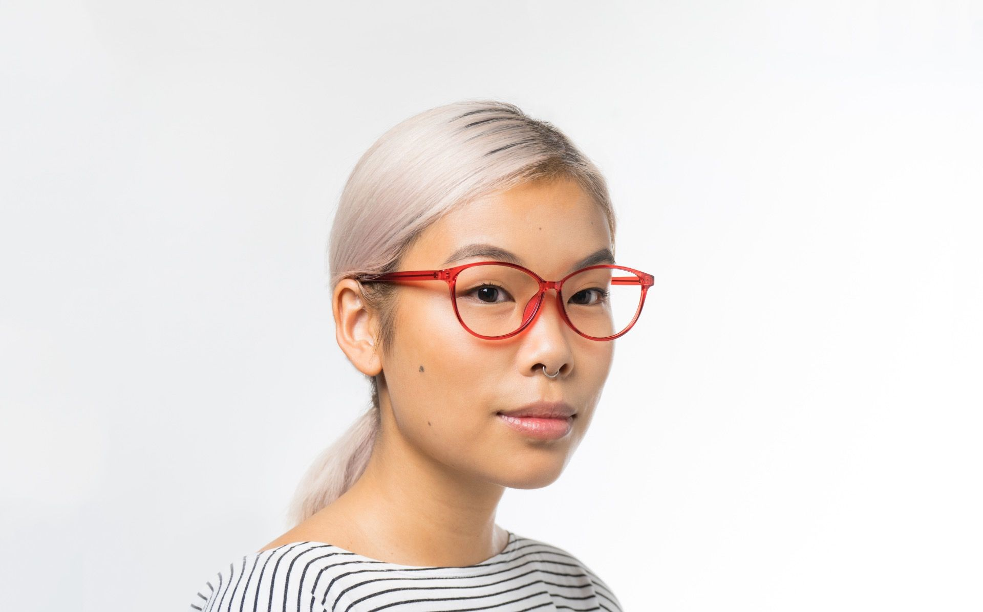 tassel polette glasses model view 01 crop