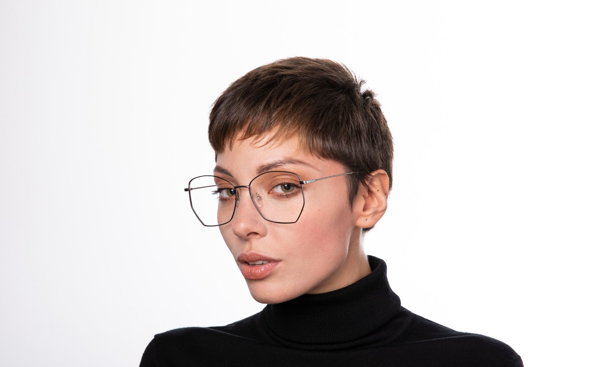 venom b polette glasses model view 01 crop