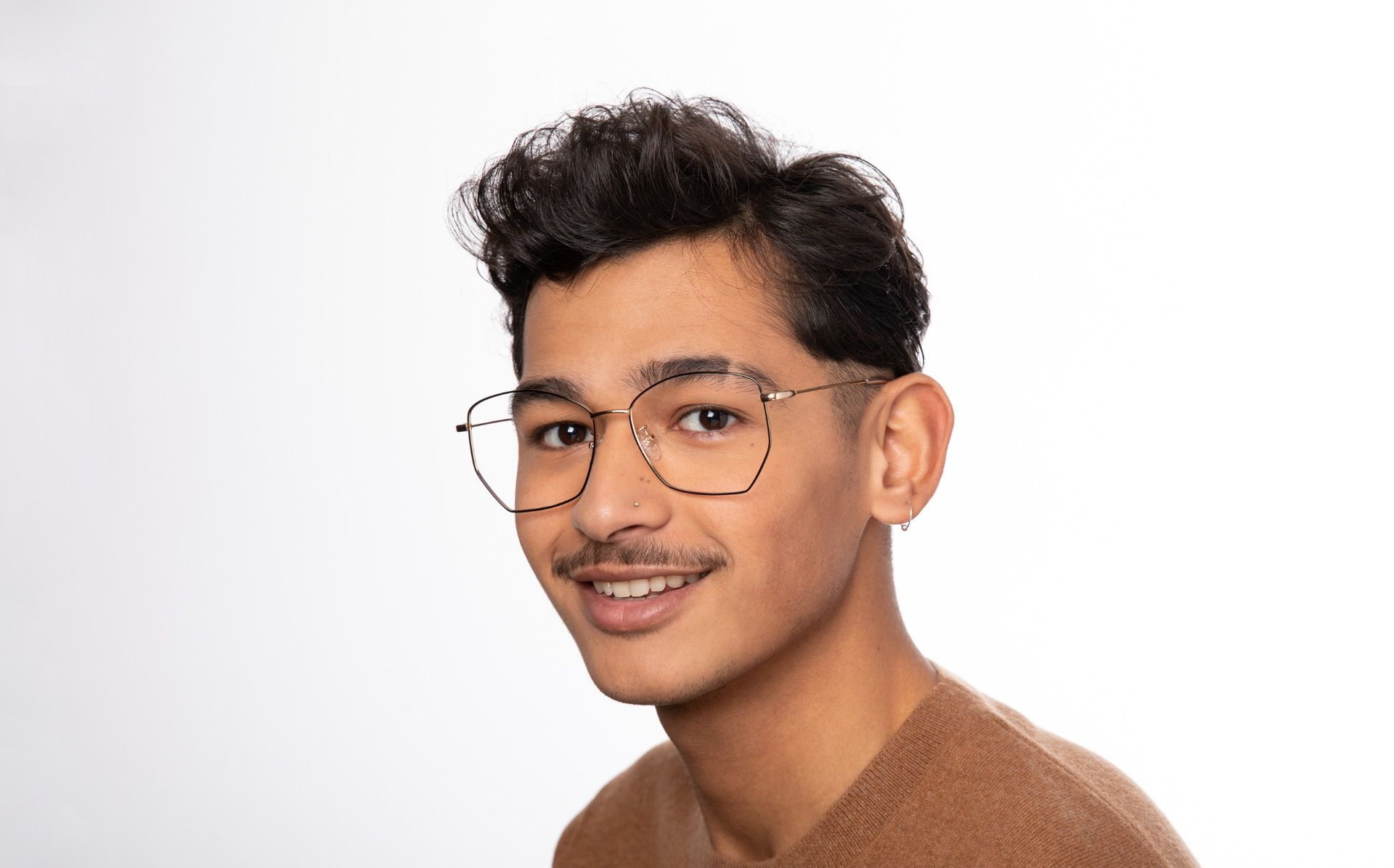 venom polette glasses model view 04 crop