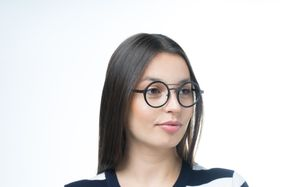 astro black polette glasses model view 01 crop