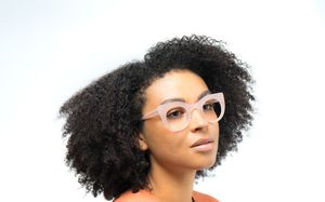 becca view pink polette glasses model view 02