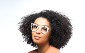 becca view polette glasses model view 02