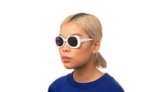 hadid polette glasses model view 01