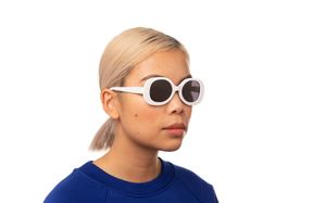 hadid polette glasses model view 02