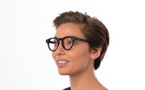 holly polette glasses model view 02