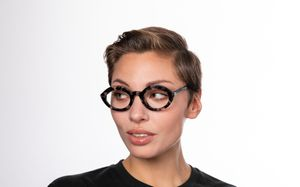 jolie polette glasses model view 01