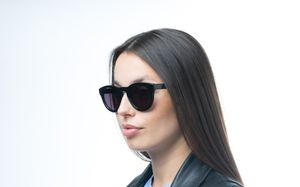 kendall black glasses model view 01 crop