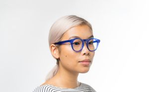 maxwell blue polette glasses model view 01 crop