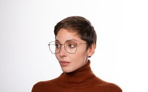 venom polette glasses model view 01 crop