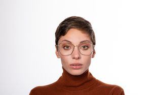 venom polette glasses model view 02 crop