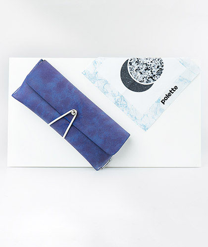 wipe and pouch for eyewear